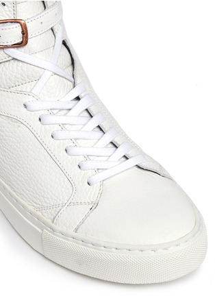 Detail View - Click To Enlarge - Eugène Riconneaus - 'Calcuta' detachable metal plate fringe leather high top sneakers