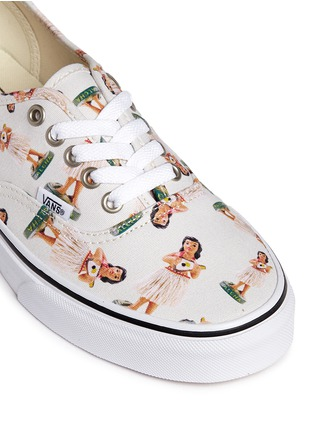 Detail View - Click To Enlarge - Vans - 'Digi Hula Authentic' doll print canvas sneakers
