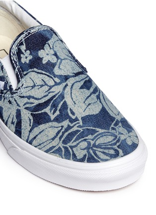 Detail View - Click To Enlarge - Vans - 'Indigo Tropical Classic' denim skate slip-ons