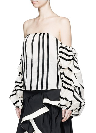 Front View - Click To Enlarge - Johanna Ortiz - 'Frida' stripe off-shoulder organza cropped top