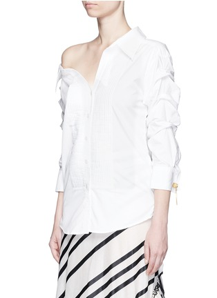 Front View - Click To Enlarge - Johanna Ortiz - 'Voltaire' chain cufflink one-shoulder shirt