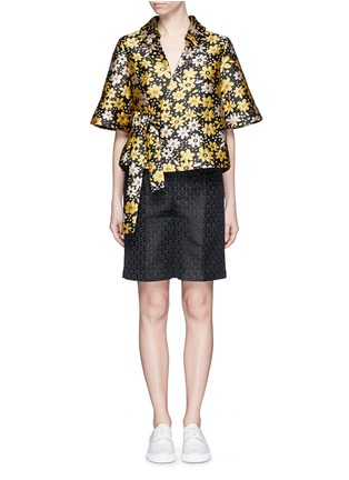 Figure View - Click To Enlarge - Chictopia - Floral jacquard Bermuda shorts