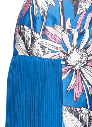 Detail View - Click To Enlarge - Chictopia - Asymmetric accordion pleat floral print skirt