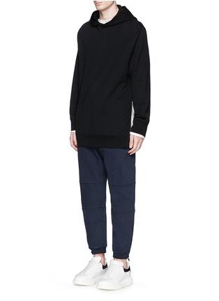 模特儿示范图 - 点击放大 - ALEXANDER MCQUEEN - 拉链裤脚纯棉休闲裤