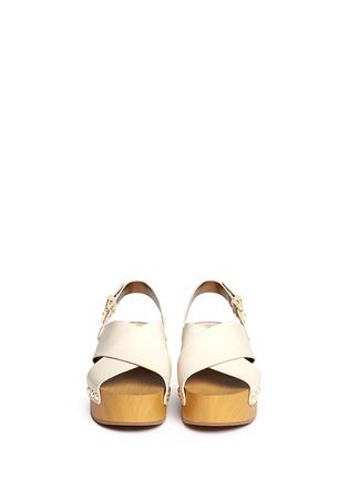 模特示范图 - 点击放大 - SAM EDELMAN - BENTLEE木纹坡跟交叉搭带凉鞋