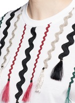 Squiggle ribbon appliqué flare sleeve T-shirt