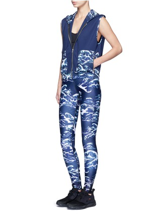 Figure View - Click To Enlarge - We Are Handsome - 'The Cascade' tidal wave print active vest