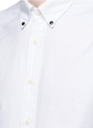 Detail View - Click To Enlarge - Denham - x ART COMES FIRST 'Rhys' insignia patch cotton Oxford shirt
