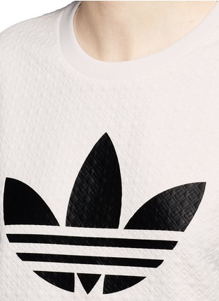 Detail View - Click To Enlarge - Adidas - Trefoil logo print quilted knit cropped T-shirt