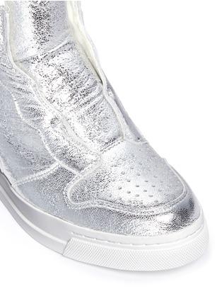 细节 - 点击放大 - ASH - 'Clone' metallic leather wedge sneakers