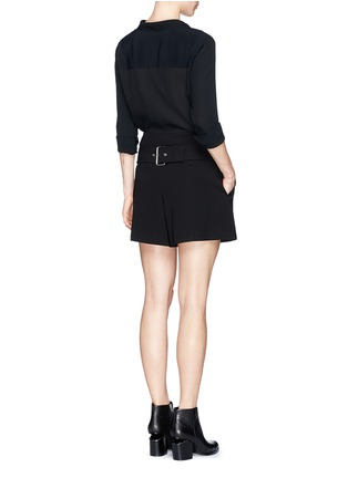 模特儿示范图 - 点击放大 - ALEXANDER WANG  - 腰带装饰褶裥绉绸短裤