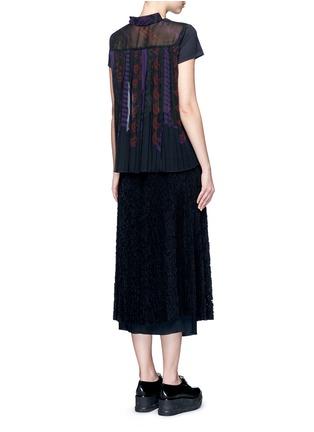 模特儿示范图 - 点击放大 - SACAI - 百褶薄纱拼接T恤
