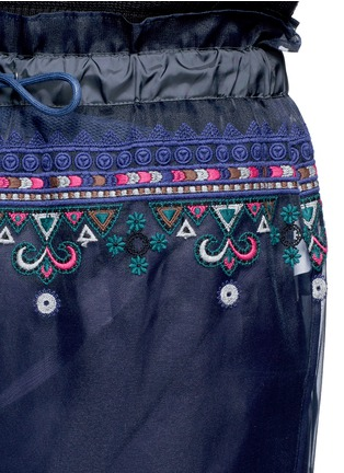 Detail View - Click To Enlarge - Sacai - Embroidered tribal lace organza drawstring skirt