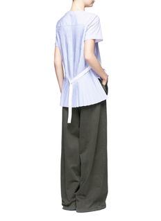 SacaiBelted pleat back collarless poplin shirt