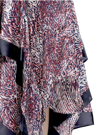 Rhié-Wave print plissé satin handkerchief skirt