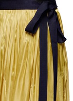 Lambskin leather waistband pleated charmeuse skirt