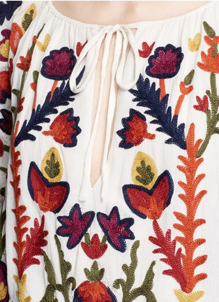 Detail View - Click To Enlarge - alice + olivia - 'Naya' floral embroidery peasant top