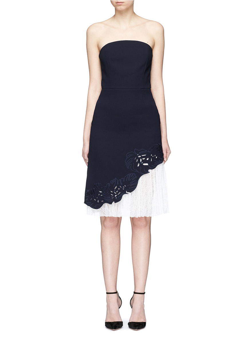Lace underlay cutwork embroidery crepe strapless dress by Comme Moi