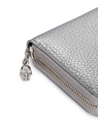 Detail View - Click To Enlarge - Alexander McQueen - Skull charm leather continental wallet