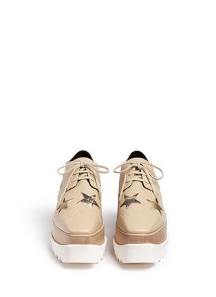 模特儿示范图 - 点击放大 - STELLA MCCARTNEY - 星星拼贴坡跟系带鞋