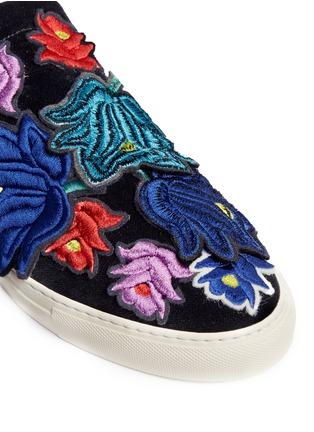 Detail View - Click To Enlarge - Ports 1961 - Embroidered floral appliqué velvet skate slip-ons