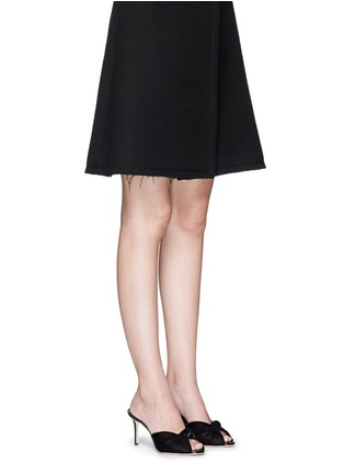 模特儿示范图 - 点击放大 - GIUSEPPE ZANOTTI DESIGN - Coline扭结设计天鹅绒高跟凉鞋