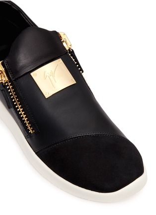 Detail View - Click To Enlarge - Giuseppe Zanotti Design - Suede trim logo leather sneakers