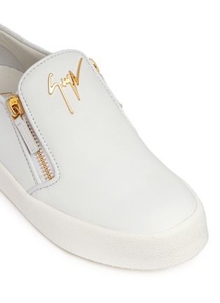 Detail View - Click To Enlarge - Giuseppe Zanotti Design - 'May London' logo leather skate slip-ons