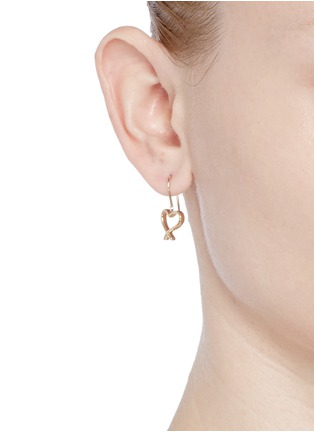 Stephen Webster - 'Neon Heart and Kiss' 18k yellow gold asymmetric earrings