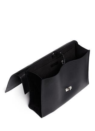 细节 - 点击放大 - GIVENCHY - 'Shark' large croc-effect leather flap bag