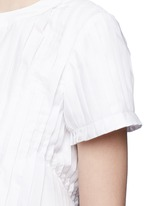 Ruffle back accordion pleat T-shirt