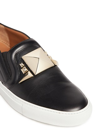 Detail View - Click To Enlarge - Givenchy - Giant stud leather skate slip-ons
