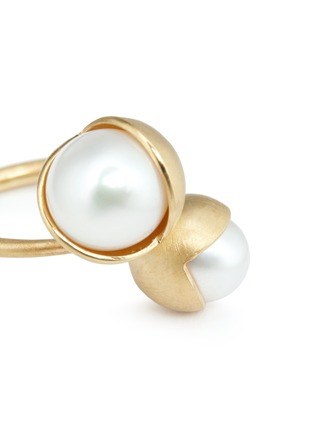 Detail View - Click To Enlarge - Belinda Chang - 'Fruity' 18k yellow gold plated double pearl ring