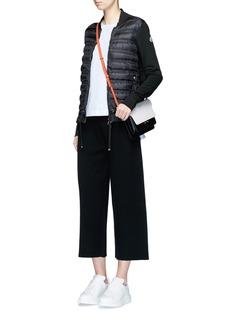 MONCLER 荷叶边装饰绗缝羽绒夹克