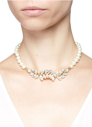 Figure View - Click To Enlarge - Kenneth Jay Lane - Glass crystal leaf pearl choker necklace