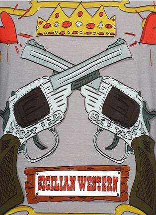 Detail View - Click To Enlarge - Dolce & Gabbana - Gun cartoon print cotton T-shirt