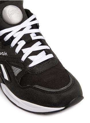 Detail View - Click To Enlarge - Reebok - 'Pump Graphlite' suede trim hopsack sneakers