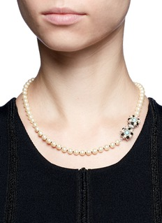 Miriam HaskellFloral clasp glass pearl necklace