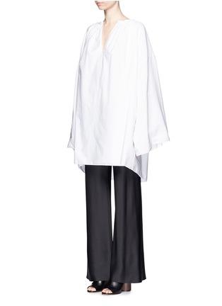 模特儿示范图 - 点击放大 - THE ROW - MELODY碎褶装饰棉混亚麻长上衣