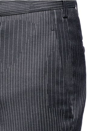 Detail View - Click To Enlarge - Neil Barrett - Camouflage pinstripe zip cuff cropped pants