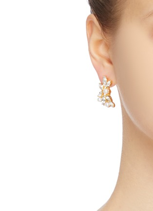 Figure View - Click To Enlarge - Kenneth Jay Lane - Crystal stud and creeper asymmetric earrings