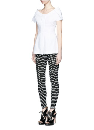 Figure View - Click To Enlarge - Alaïa - 'Fidji' bicolour perforated zigzag knit leggings