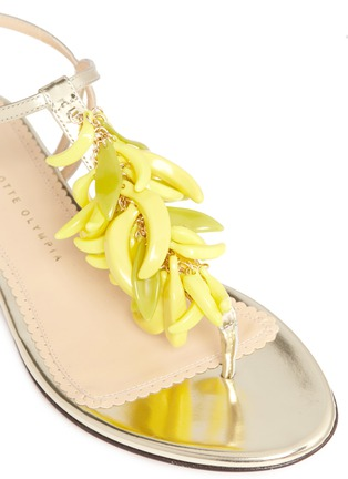 Detail View - Click To Enlarge - Charlotte Olympia - Banana charm mirror leather sandals