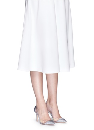 模特儿示范图 - 点击放大 - GIANVITO ROSSI - PVC拼接亮闪尖头高跟鞋