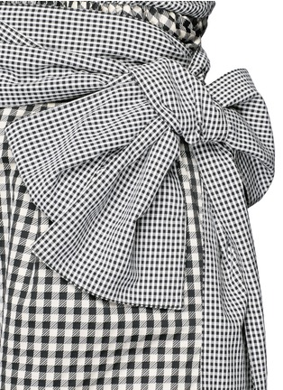 Detail View - Click To Enlarge - ISA ARFEN - Wrap belt gingham print shorts