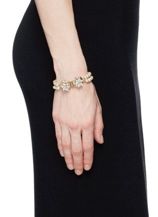 Figure View - Click To Enlarge - Miriam Haskell - Crystal floral clasp pearl bracelet