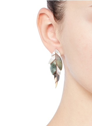 Figure View - Click To Enlarge - Niin - 'Ajei' mixed shell feather stud earrings