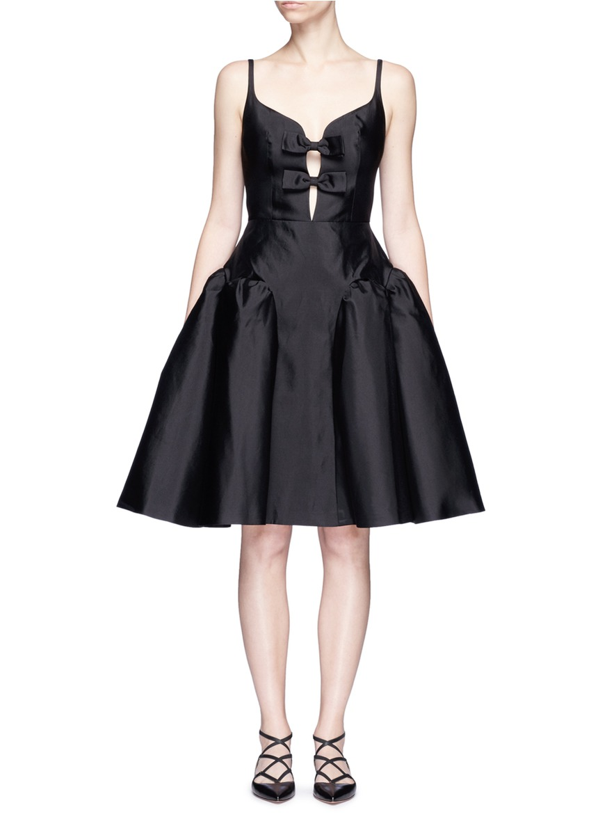 Bow front puffed godet dress by Chictopia