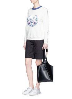 Chictopia Hen and floral embroidered sweatshirt