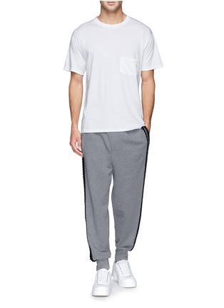 模特儿示范图 - 点击放大 - DOLCE & GABBANA - 钩花装饰纯棉休闲裤